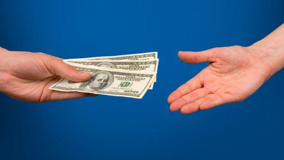 پول قرض دادن دلار