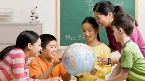 چند راهکار ساده در راستای آموزش بهتر و ارتباط قویتر معلمان و دانشآموزان