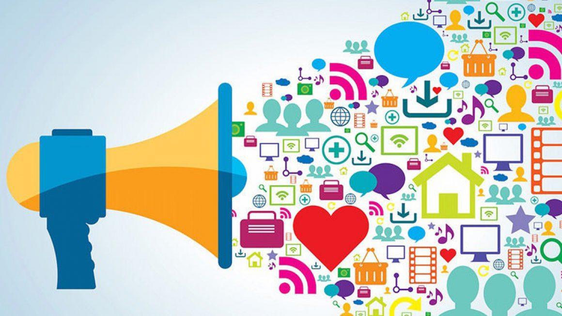 دافعههای و جاذبههای شبکههای اجتماعی نیز بسیارند اما جذب آن بیشتر است جرا که موجب جذب اکثر مردم دنیا است.