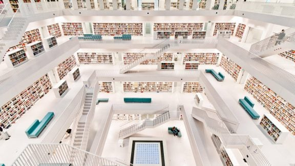 مدرنترین کتابخانه در آلمان با معماری فوق العاده بینظیر و میلیونها کتاب