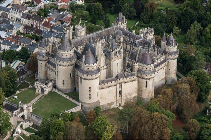 قلعه PIERREFONDS در فرانسه