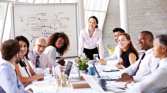 5 قدم برای تبدیل شدن به یک رئیس خوب و تاثیرگذار: به نظر شما یک رئیس خوب کیست؟