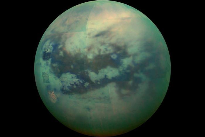 قمر Titan