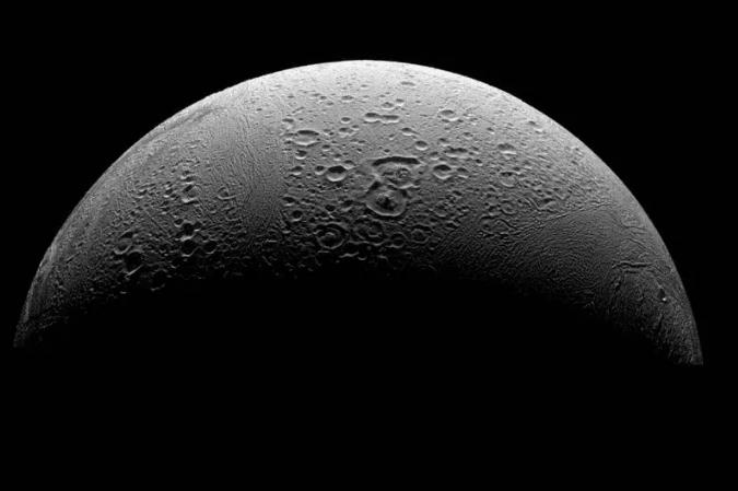 قمر Enceladus