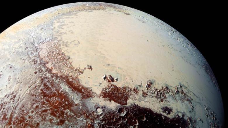 پلوتو چیست رنگهای باشکوه سطح این سیاره کوتوله