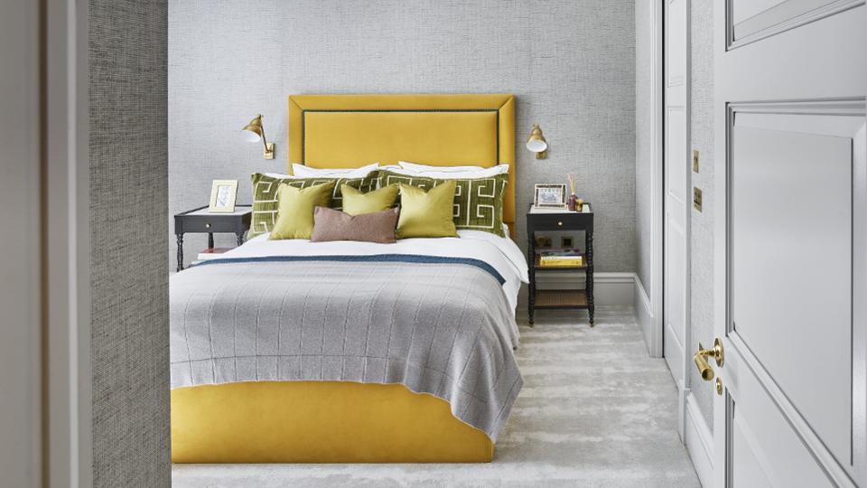اتاق شیک با جریانهای زرد
