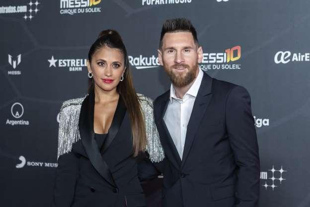بازیکنان فوتبال و همسران جذاب آنها - لیونل مسی و آنتونلا روکوزیو