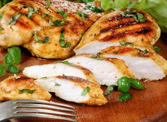 9. مرغ شما قبل از پخته شدن ترد نیست