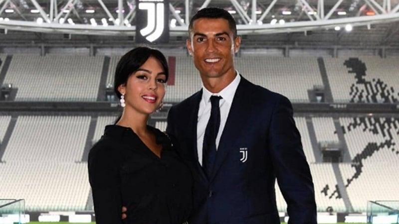 بازیکنان فوتبال و همسران جذاب آنها - کریستیانو رونالدو و جورجینا رودریگز